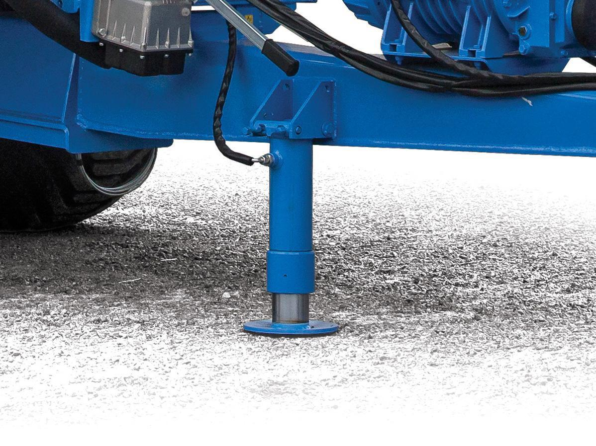 Hydraulic parking jack for quick and easy hitching